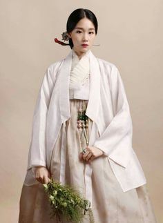 Korea Fashion, Asian Fashion, India Fashion, Girl Fashion, Fashion Dresses, Korean Traditional Clothes, Traditional Fashion, Traditional Dresses, Korea Dress