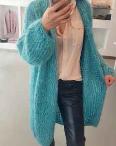 The Best Women Cardigan Models – Knitting And We Good Woman, Oversized Knit Cardigan, Mohair Sweater, Kiro By Kim, Knit Fashion, Fashion Outfits, Stitch Fit, Poncho, Minimal Fashion