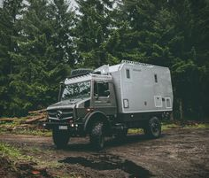 The beastly EX 435 from Germany´s Bimobil, is the ultimate expedition vehicle ready to prowl Earth in search of adventure. Built atop the Mercedes Unimog, the adventure camper features a powerful 228-hp 5.1-liter BlueTec four-cylinder engine that put
