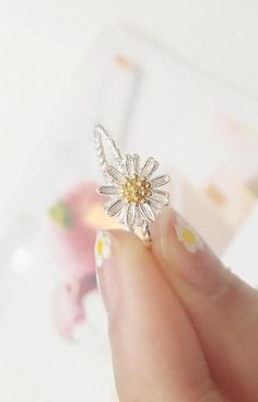 Mini Flower Ring-reminds me of Jennifer and I, our last summer before college, with the lovely periwinkle flowers and the sunset :)