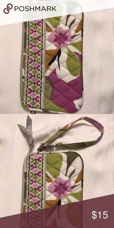 Vera Bradley Wristlet Never Used Vera Bradley Wristlet Never Used Vera Bradley Bags Clutches & Wristlets