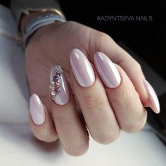 Easy Matte Nail Designs Ideas You'll Love - Page 6 of 62 Need new nails? We have gathered 62 stylish matte nails to inspire you. Matte can be used to create many different looks. Oval Nails, Matte Nails, Pink Nails, Hair And Nails, My Nails, Almond Acrylic Nails, Holographic Nails, Beautiful Nail Designs, Trendy Nails