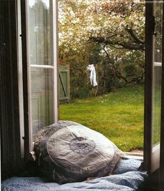 View through the open window Seat garden loundry love Window View, Open Window, Window Seats, Country Life, Country Living, Country Estate, Vie Simple, Bohemian Interior, Bohemian Homes