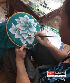 Váy vẽ tay thủ công họa tiết hoa V377 tại Thời Trang Thủy
