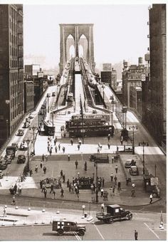 Vintage 1945 Brooklyn Bridge - New York City NYC New Post Card - photographer unknown Vintage New York, Vintage Modern, Brooklyn Bridge, Brooklyn City, Old Pictures, Old Photos, Photo New York, New York City, Photos Rares