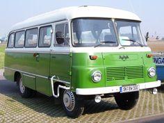 , Un bus Robur vert. , Un bus Robur vert. Classic Trucks, Classic Cars, East German Car, Ford Mustang, Automobile, Beast From The East, Nissan Leaf, Cabriolet, Parking
