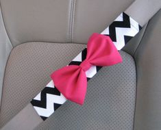 seatbeltcoverwithpinkbow Honk if Youre a Fashionista!  Drive in Style with These Fun & Stylish Car Accessories