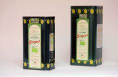Olijfolie Cenzino Extra Vierge (Bio) in blik. De winnaar van Biologische Olijfolie 100% Unaprol in Italië in 2011. De olijfolie wordt gemaakt van de Ogliarola olijven, een olijf typisch voor de streek ten westem van Bari.     Deze extra vierge olijfolie heeft een zeer lage zuurwaarde nl. 0,2. De olijfolie heeft de geur van gras en amandelen, een fruitachtige smaak, gevolgd door een lichte bittertje met een pepertje.
