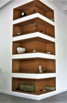 Space-Saving Corner Shelf Design Ideas www. - Home Decor Art - Space-Saving Corner Shelf Design Ideas www. Corner Shelf Design, Diy Corner Shelf, Corner Wall Shelves, Book Shelves, Wall Shelves Design, Corner Storage, Bookshelf Design, Shelves Built Into Wall, Storage Shelves