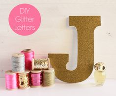 Glitter Letters For The Girly Girl's Decor {Kids Room Accessories} This is an easy project with the help of this great tutorial! You'll make fun and sparkly letters to help decorate your little girly girls room! Perfect to spell out a name! Glitter Projects, Craft Projects, Projects To Try, Glitter Crafts, Glitter Paint, Pink Glitter, Glitter Letters, Diy Letters, Paper Letters