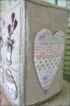 """Sew nice"" - Funda para maquina de coser http://twinklepatchwork.blogspot.com.es/p/shop.html#!/~/product/category=0&id=23264393"