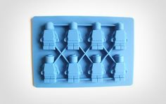 This LEGO man silicone tray makes an array of little LEGO men in ice cube form, or if you prefer chocolate, you can make little chocolate LEGO men. —->http://odditymall.com/lego-man-ice-cube-tray