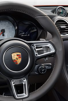 The upgraded Sport Chrono Package provides an even sportier tuning of the vehicle. What's new is the mode switch on the steering wheel, offering four driving modes to choose from and – in combination with Porsche Doppelkupplung (PDK) – the SPORT Response button for maximum responsiveness.  *Combined fuel consumption in accordance with EU6: 8.1 - 6.9 l/100km; CO2 emissions: 184 - 158 g/km