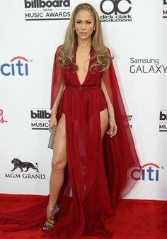 Les jambes de Jennifer Lopez dans sa robe Donna Karan photo de Jennifer Lopez
