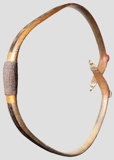 Korean horn bow Traditional Bow, Traditional Archery, Bow And Arrow Diy, Composite Bow, Mounted Archery, Bow Art, Wood Arrow, Archery Bows, Longbow