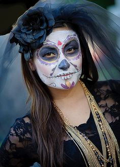 2011 Dia De Los Muertos / Hollywood, CA at the Hollywood Forever Cemetery, with it's world-known Dia gatherings.