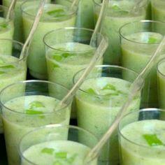 Verrines concombre, lait de coco et coriandre fraîche