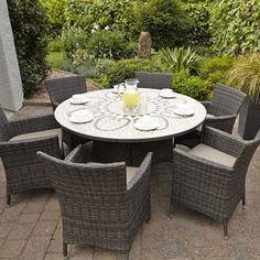 Savannah 6 Seat Round Dining Set. Weave Outdoor Furniture, Great For Dining.