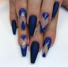 """""""Midnight Blue"""" i matt tillsammans med det blåa glittret från min kollektion"""