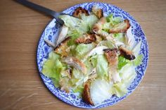 A tasty and simple cesar salad with roasted chicken