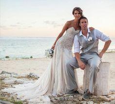 Gorgeous beach wedding dress