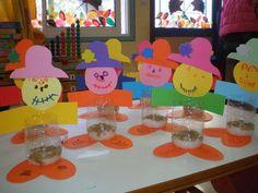 παιχνιδοκαμώματα στου νηπ/γειου τα δρώμενα: ένα σκιάχτρο στο χωράφι..... Autumn Crafts, Thanksgiving Crafts, Kindergarten Crafts, Preschool Activities, The Scarecrows Wedding, Diy And Crafts, Crafts For Kids, First Fathers Day Gifts, Toddler Play
