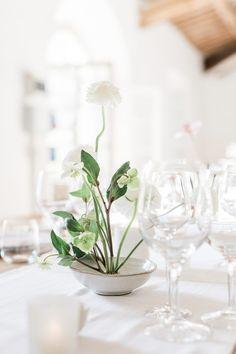 Minimalist Wedding Reception, Minimal Wedding, Italian Villa, Wedding Table Decorations, Martha Stewart Weddings, American Wedding, Wedding Music, Elegant Wedding Dress, Italy Wedding