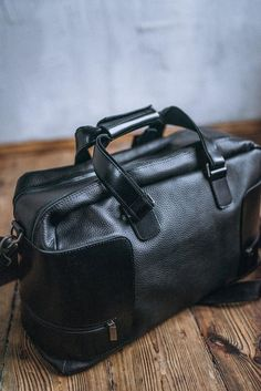 Black leather holdall duffle bag Leather travel bag men Leather gym bag  holdall Leather gym bag men a5e5415cca710