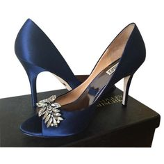 Pre-owned Badgley Mischka 'buzz' Wedding Navy Pumps (1 560 ZAR) ❤ liked on Polyvore featuring shoes, pumps, navy, sparkly pumps, peep-toe pumps, satin peep toe pumps, navy pumps and navy satin pumps
