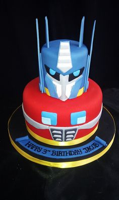 Transformers Cake by Cakeaters Edible Art. Transformers Birthday Parties, Transformer Birthday, Transformer Cake, Gateau Power Rangers, Fondant Cakes, Cupcake Cakes, Petit Cake, Superhero Cake, Pancakes