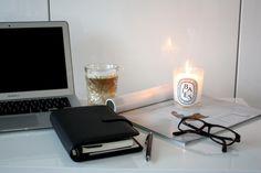 Homevialaura | Filofax organizer | black saffiano | planner | calendar | diptyque | coffee | working space | home office | blogging