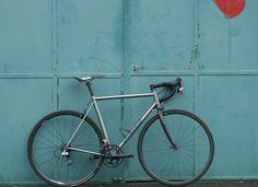 "kinkicycle: ""  IMG_9376 by Mathias Scherer Via Flickr: Light Roadbike, 5050g ready to ride, 1004g frame. """