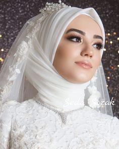 Image may contain: 1 person, close-up Hijabi Wedding, Wedding Hijab Styles, Wedding Robe, Muslimah Wedding Dress, Muslim Wedding Dresses, Muslim Brides, Wedding Dress Sleeves, White Wedding Dresses, Bridal Dresses