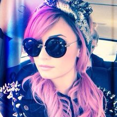 in the car with new sunglasses <3