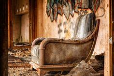 ICYMI: Antika Mobilya Nasıl Temizlenir?