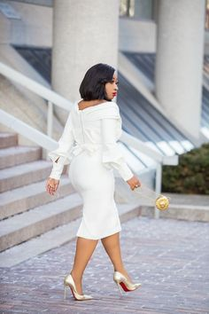 Reliable African based Nigerian News/Media portal For Breaking News, African Wedding, entertainment news Gossip, inspiring & motivating ideas, projecting vibrant posibility of Africa All White Party Outfits, Classy Outfits, Stylish Outfits, Fashion Outfits, African Fashion Dresses, African Dress, Fashion Line, Look Chic, Elegant Dresses