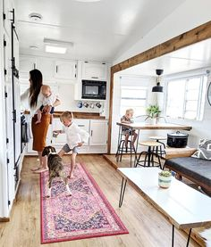 This family transformed their RV into a tiny modern farmhouse! Featuring family transformed their RV into a tiny modern farmhouse! Featuring on MountainModernLif. Airstream Remodel, Airstream Interior, Camper Renovation, Tiny House Living, Rv Living, Living In A Camper, Caravan Vintage, Vintage Campers, Vintage Trailers