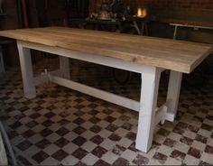 Eettafel hout met wit onderstel
