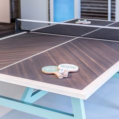 For a passionate ping-pong player, the modern interior design has been created together with two regulations courts without knocking down any apartment's walls. So this apartment has a full progr Ping Pong Table Diy, Ping Pong Room, Outdoor Ping Pong Table, Ping Pong Table Tennis, Pool Table, Diy Table, Table Desk, Dining Table, Table Tennis Conversion Top