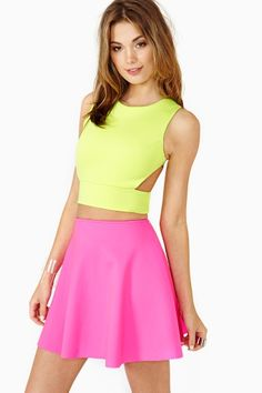 LOVIN this neon outfit!!!! ❤