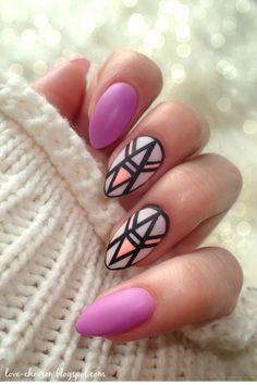 Zobacz zdjęcie Geometryczny manicure hybrydowy (więcej po kliknięciu na zdjęcie)…