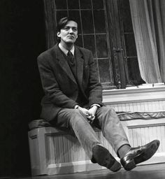 A gorgeous and youthful Stephen Fry. I don't often wish to be a gay man nearly twice my age, but it's the only way I'd have a chance! That said, Stephen himself does admit he's only gay so maybe there is a ray of hope there somewhere! Jeeves And Wooster, Sainte Claire, Blackadder, Hugh Laurie, Famous Faces, Funny People, Comedians, Love Him, Persona