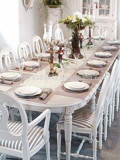 Earnest tripled shabby chic dining room decor Say Hi Scandinavian Living, Scandinavian Interior, Home Interior, Dining Table Chairs, Dining Room Furniture, Cheap Kitchen Tables, Swedish Interiors, Dining Room Inspiration, Dining Room Lighting