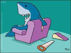 How must a shark sit on a couch? Funny Signs, Funny Memes, Hilarious, Shark Diving, Sharks, Misunderstood Shark, Great White Shark, Shark Week, Illustration