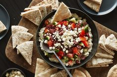 Here's a five-layer appetizer dip with beautiful colours and bold Mediterranean flavours. Only 15 minutes of prep work, and it's ready to serve. Kraft Recipes, Dip Recipes, Cooking Recipes, What's Cooking, Appetizer Dips, Appetizer Recipes, Pan Seared Tuna Steak, Mediterranean Dip, Lemon Caper Sauce