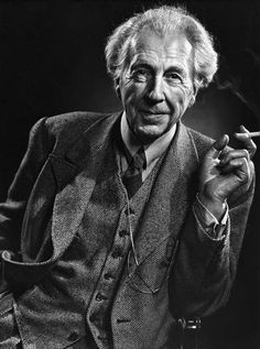 Frank Lloyd Wright - In 1892, Frank Lloyd Wright was a 25-year-old draftsman who had grown up amidst the industrial revolution. He supplemented his income by designing residential properties in the flourishing suburbs, which got Wright thinking about typical American house styles.