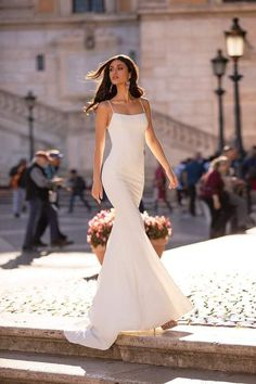 White Formal/Prom Gown - Alamour The Label Gala Dresses, Dress Outfits, Wedding Dresses, White Evening Gowns, Evening Dresses, Black Mermaid Dress, Mermaid Gown, Sparkly Outfits, Formal Dresses With Sleeves