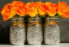 I have a mason jar craft bucket list. And creating mercury glass-look mason jars was right at the top of that bucket list … and am I crazy for having a mason jar craft bucket list? Green Mason Jars, Mason Jar Vases, Mason Jar Centerpieces, Mason Jar Diy, Glass Jars, Diy Jars, Mason Jar Projects, Mason Jar Crafts, Diy Projects