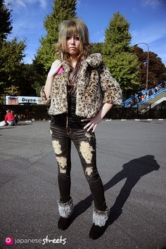 Street fashion is always the best place to find style w/ attitude!