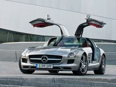 The new 2013 Mercedes-Benz SLS AMG GT